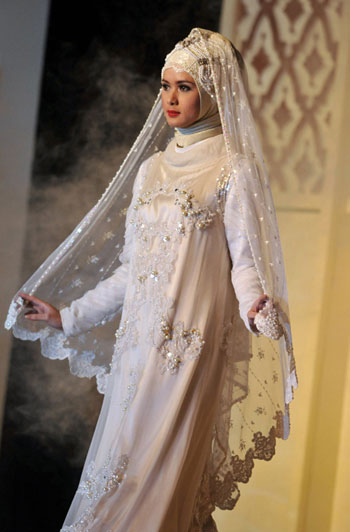 Islamic Wedding Dresses For   : Semuamuat beautiful muslim wedding dress options