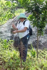 Jaqueline Plantando INGÀ