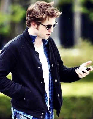 Robert Pattinson-Possesive?