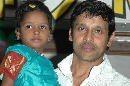actor vikram wifeActor Vikram Wife And Children Photos
