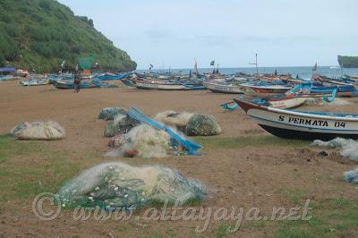 Pantai_Baron_Kidul_Indonesia
