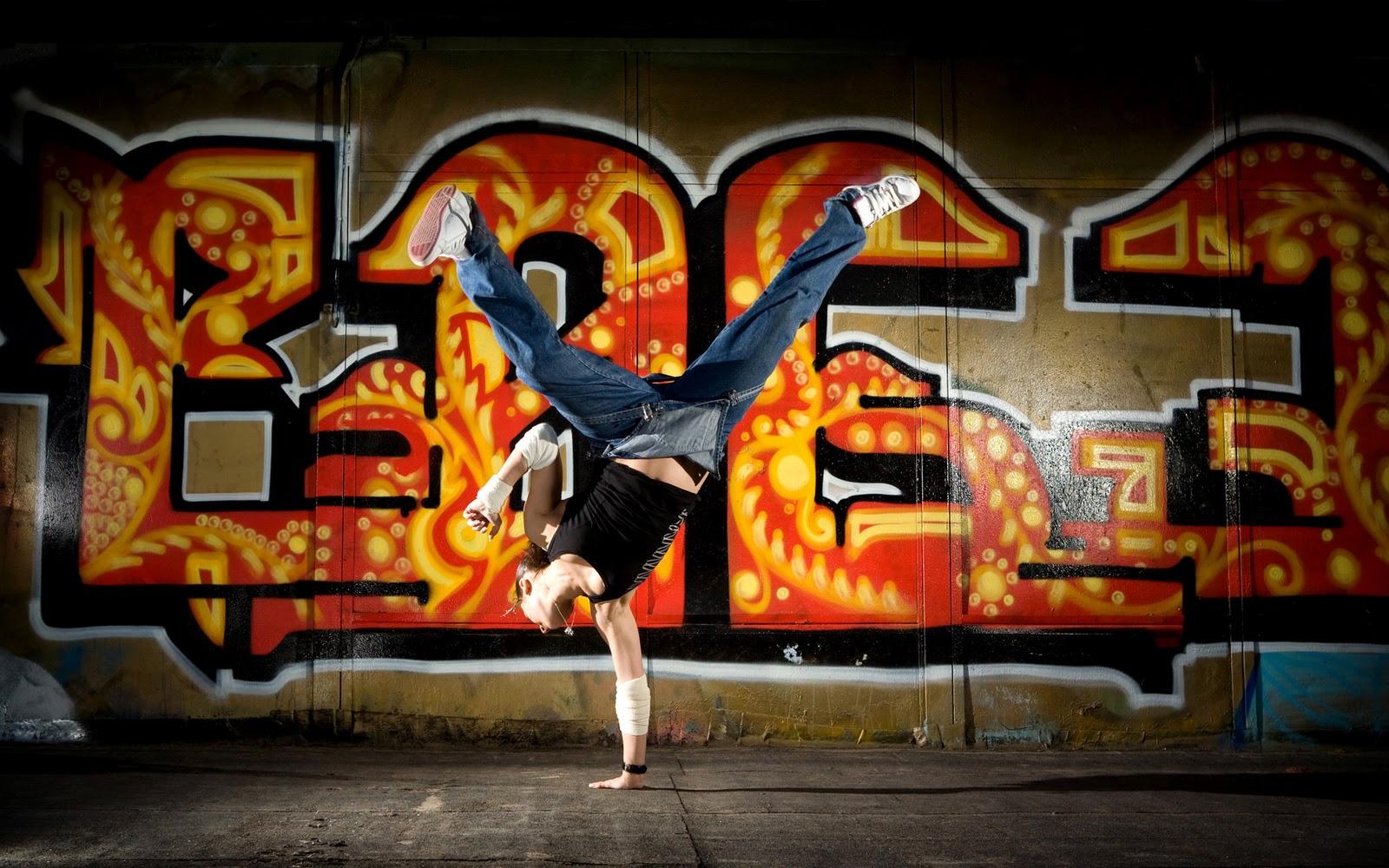 http://4.bp.blogspot.com/_g31KVvREHW4/TP9UHUnd5JI/AAAAAAAABVc/ejZVmasj96c/s1600/Hip+Hop+Styles.jpg+%252814%2529.jpg