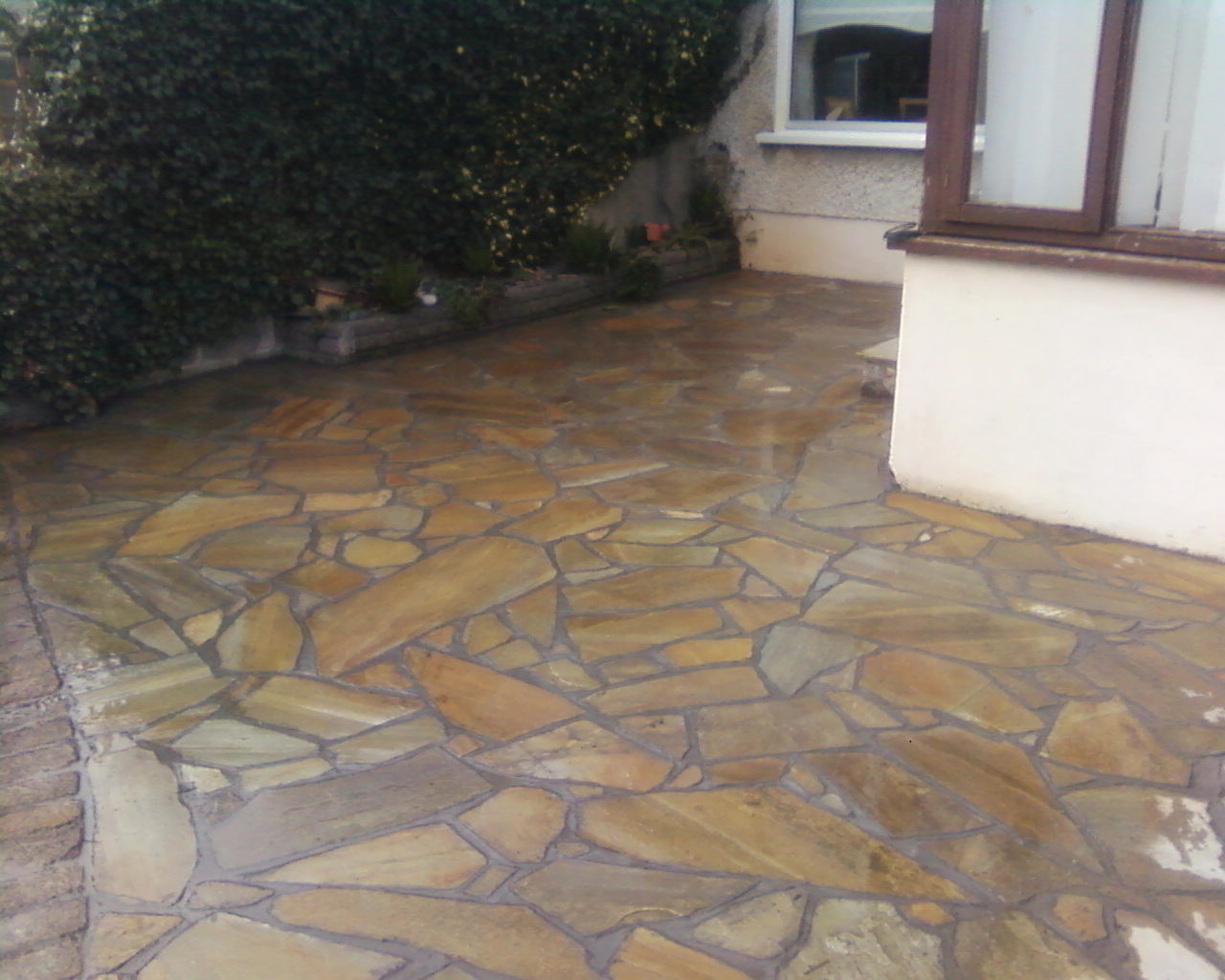 Pavescape Example Of Crazy Paving Style Donegal Quartz