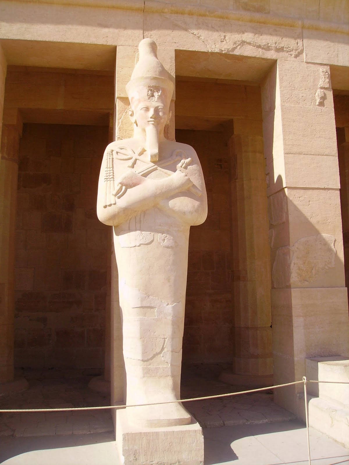 hatshepsut legacy What was queen hatshepsut's legacy perhaps themost important part of hatshepsut's legacy was her creation of aflourishing and stable egypt through her highly successful foreignpolicy her military campaigns in both the north and the southaugmented the extent of egypt's influence on a vaster scale.
