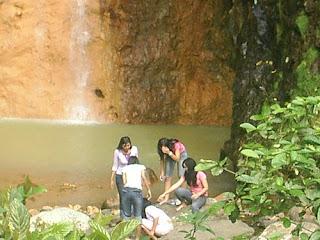 7 gadis cantik di tepi sungai jaka tarub
