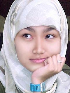 gadis cantik banten memakai jilbab