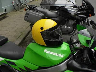 kamar-asik.blogspot.com - 14 Helm Sepeda Motor Dengan Desain Yang Keren