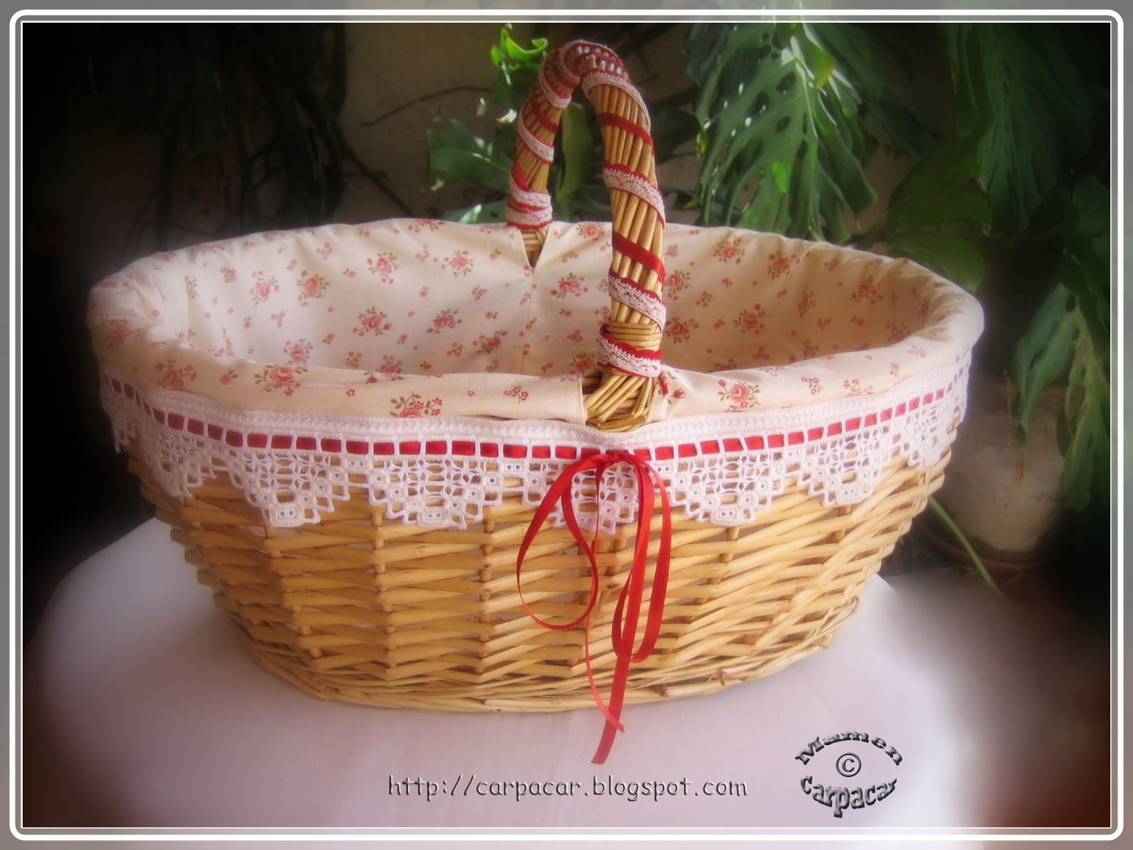Cesta de mimbre - Como forrar una cesta de mimbre ...