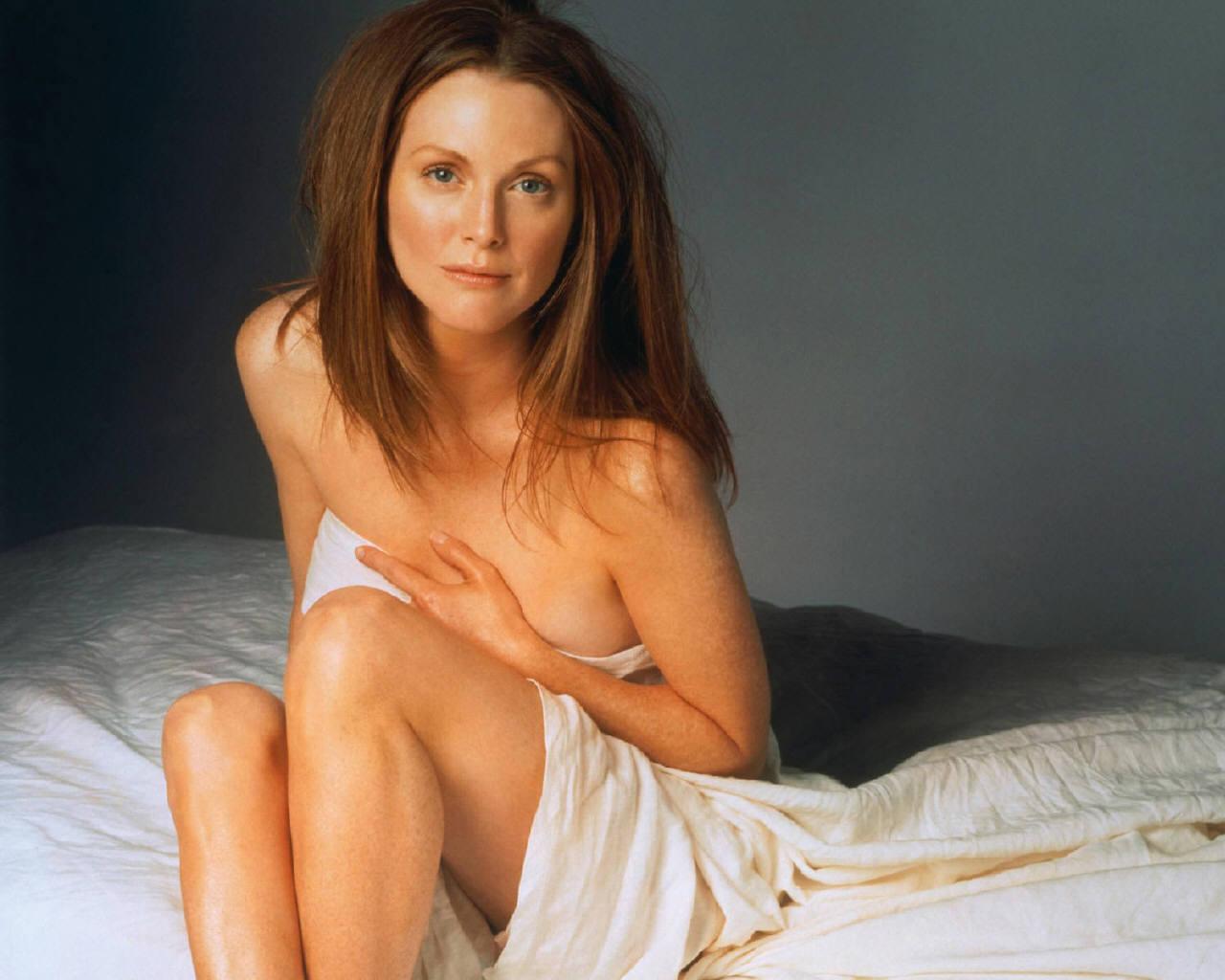 http://4.bp.blogspot.com/_gBJzB9cURo4/S_8F5OXCrvI/AAAAAAAABvQ/JOqVdT8daZY/s1600/Julianne-Moore-julianne-moore-253334_1280_1024.jpg