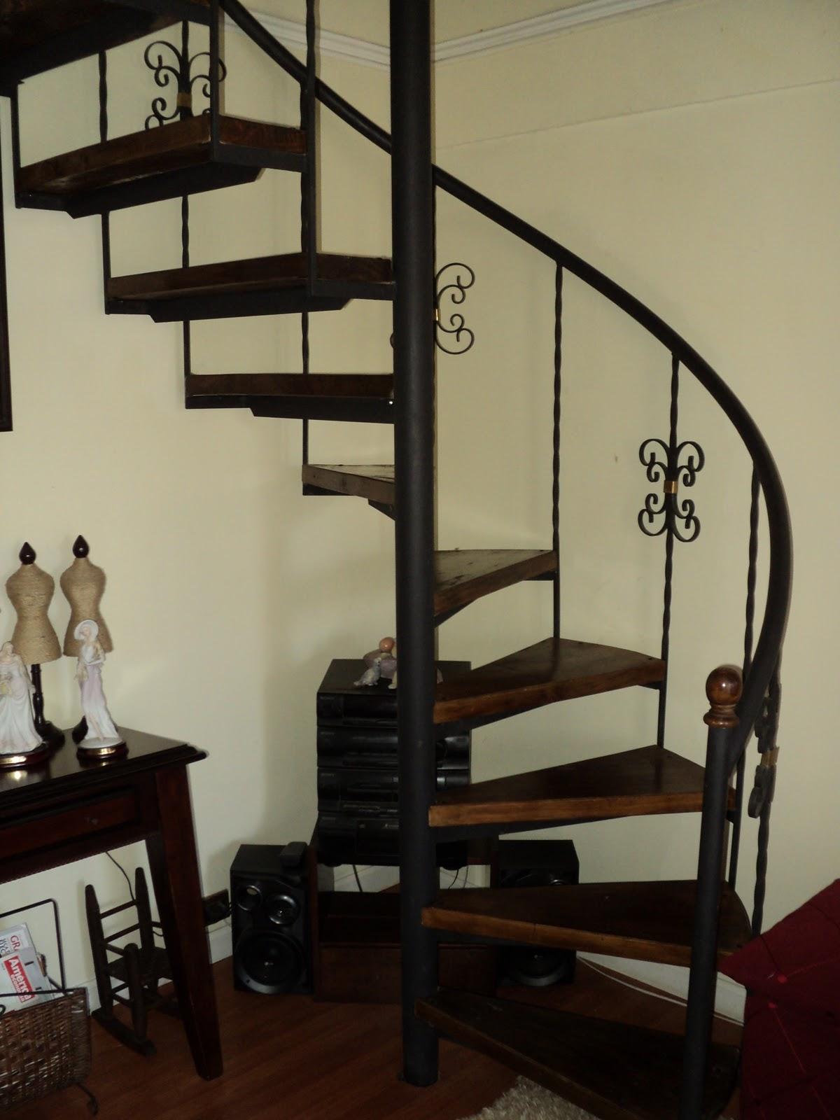 Escalas de todo tipo octubre 2010 - Escaleras semi caracol ...