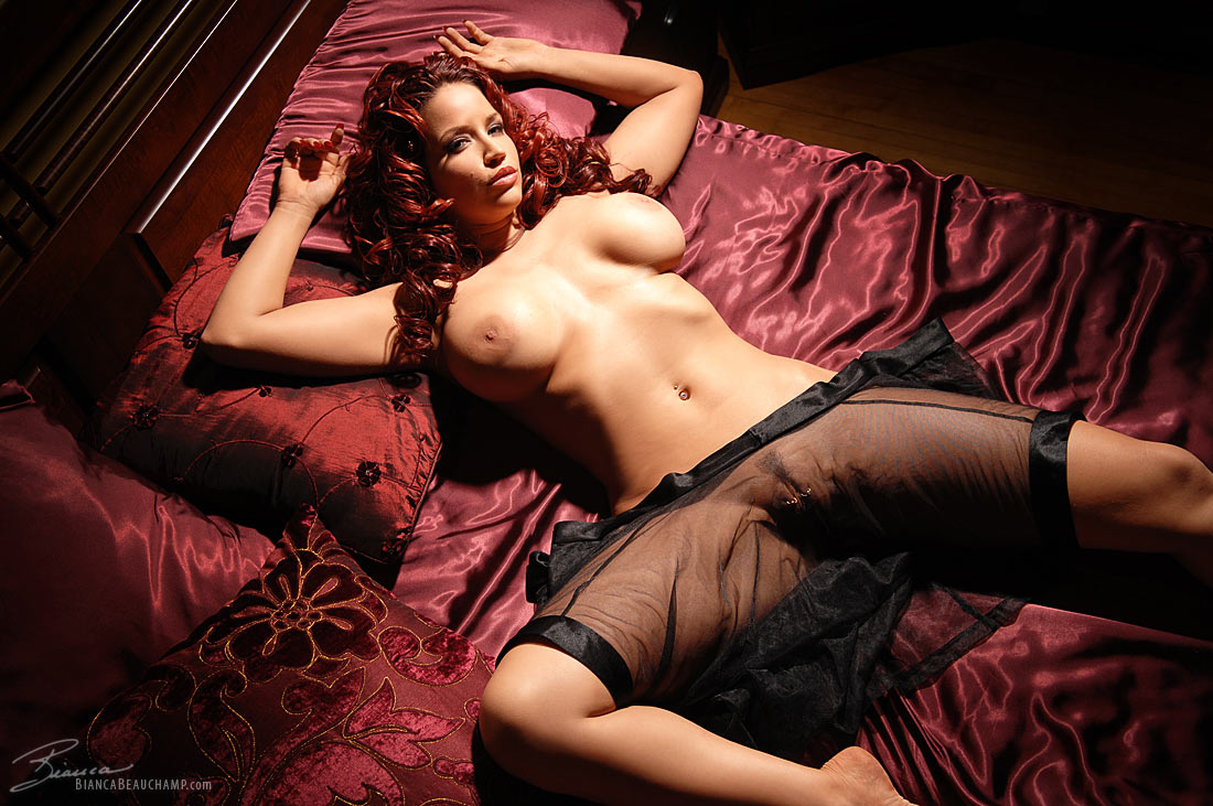 seksualnie-devushki-v-eroticheskom-bele
