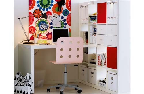 In your back pocket work space the desk - Ikea material oficina ...
