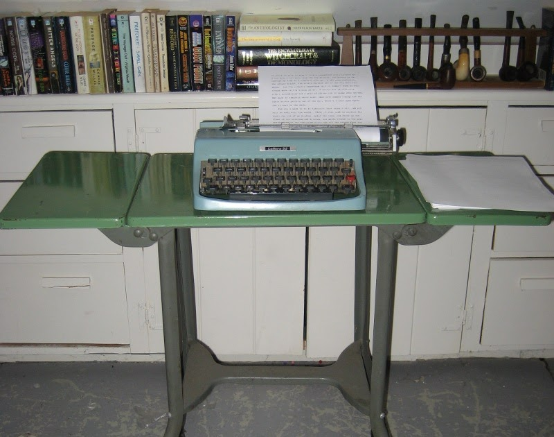 The Pipe And Grumble Dump Find Typewriter Table