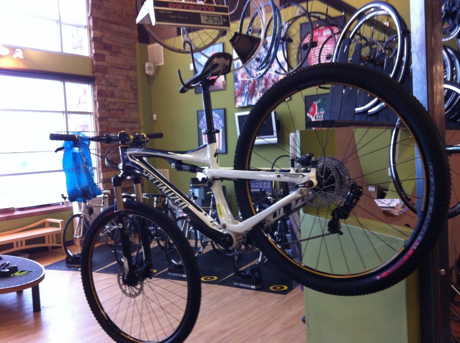 http://4.bp.blogspot.com/_gFM1zyLfYTA/TUsPQT8ZV6I/AAAAAAAAAg0/bKE79z8xdDs/s1600/bike.jpg