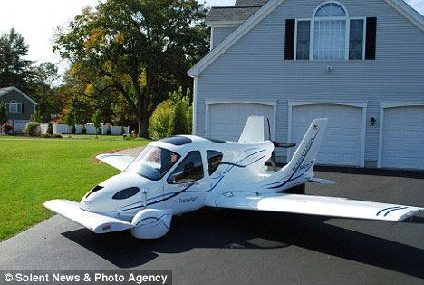 http://4.bp.blogspot.com/_gHLi5No8dSY/SUwBhExd7HI/AAAAAAAAB7A/nV2Fmp6hbL4/s720/Terrafugia-Transition-Flying-Car-1.jpg