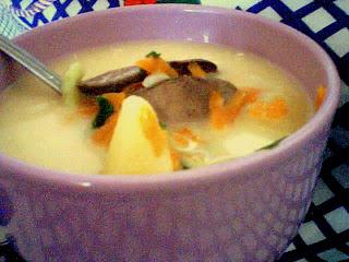 Articole culinare : ciorbita de cartofi cu ficatel
