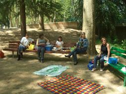 picnic al parque....donde estan los crios????