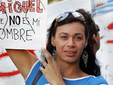 TRANSEXUALES PROTESTAN EN EL REGISTRO CIVIL DE URUGUAY CAMBIO DE NOMBRE