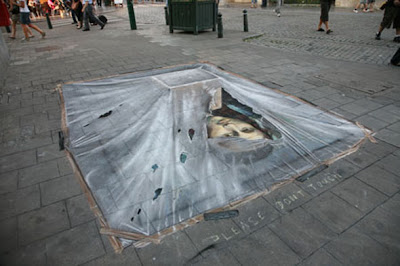 Mona Lisa on the Street Illusion