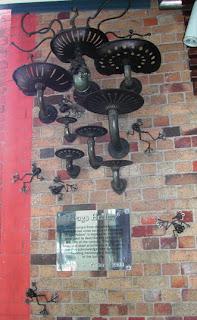 Frogs Hollow Sculpture