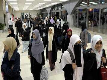pelajar dan warga Malaysia dari Mesir yang sedang bergolak
