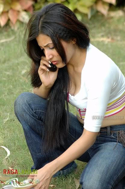 Pooja Bharati Hot Pics in Jeans