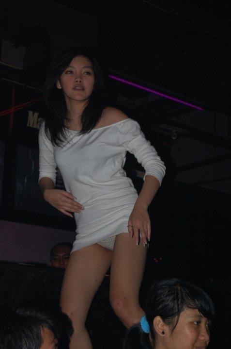 http://4.bp.blogspot.com/_gN47eo5V4aY/TE81Z8yzWuI/AAAAAAAAB5c/dRdZjP2vnzI/s1600/cewek+dugem_cewek+Clubbing_cewek_bugil+9.jpg