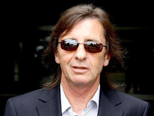 Baterista do AC/DC é multado por posse de maconha