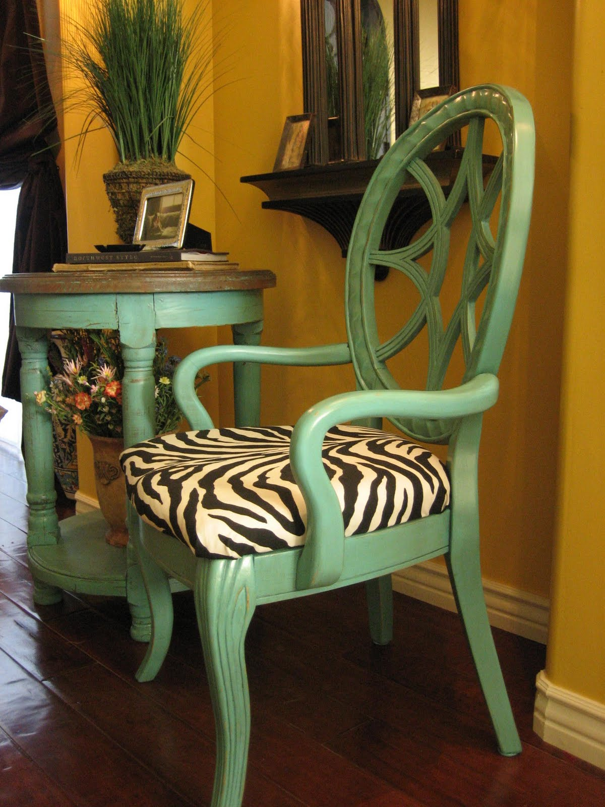 Turquoise and brown accent chair -  Aqua Accent Table Chair