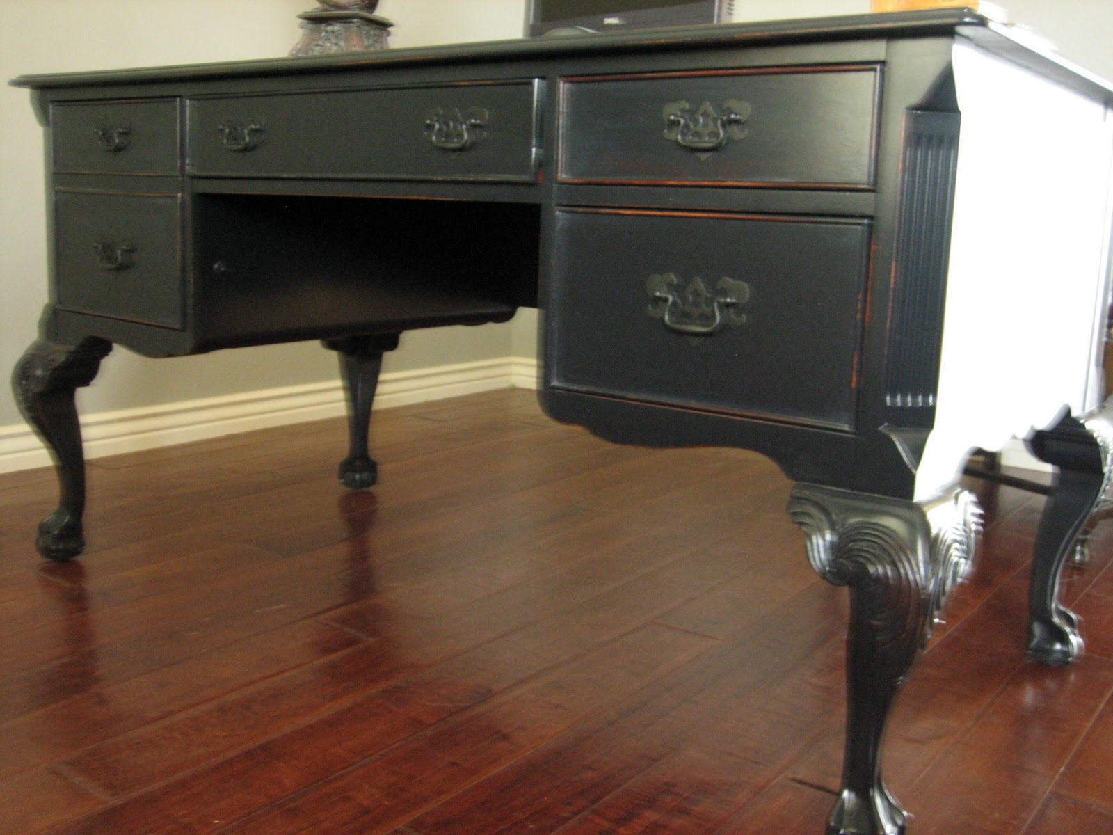 Keyboard Drawer With Wooden Hand Rest. Two Right Hand Box Drawers. Full resolution  picture, nominally Width 1600 Height 1200 pixels, picture with #69402C.