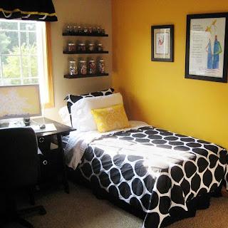Black White Yellow Black White And Yellow Room