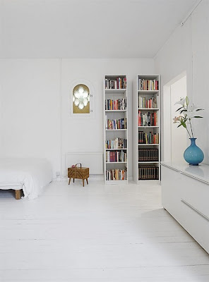 Beautiful White Apartment Interior Design