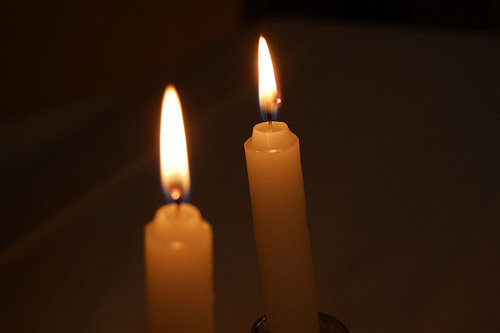 jewish holiday customs the aleksander hasidim may be