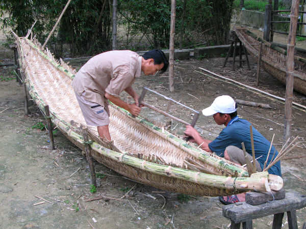 how to build a bamboo canoe
