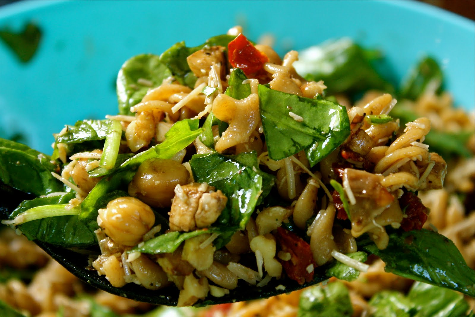 Chickpea Pasta with Spinach, Sun Dried Tomatoes, and Walnuts