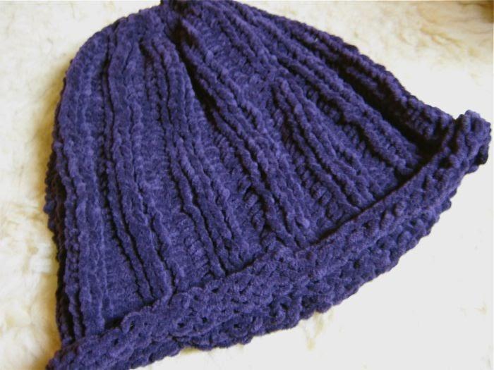 Knit Rib Stitch Continental : Hissy Stitch, a Knitting and Needlework Blog: Simple Roll-Brim Suede Hat (fre...