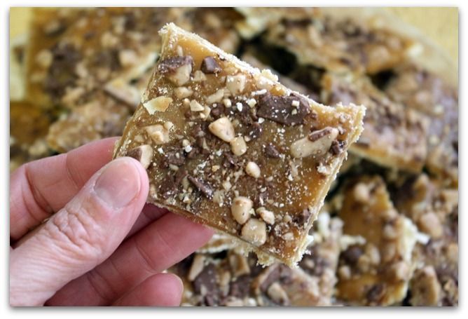 ... & Family Friendly Recipes: Saltine Cracker Candy {Christmas Crack