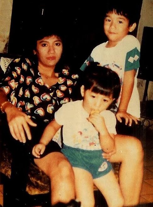 gerakan salib di kota bandung, Christine Panjaitan dan 2 anaknya dirumah Ibunya di Tanah Abang 4 no