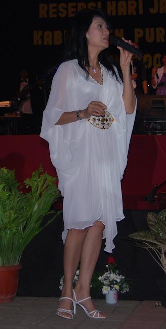 Christine Natalina Panjaitan, YANG KURUS MEMIKIRKAN IKANG