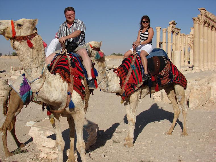 Dos en camello