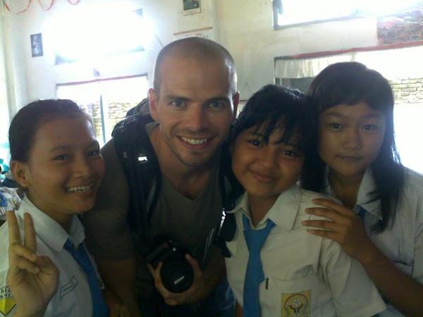 AKRAB MAHASISWI AS bersama Anak BiliguaL Class