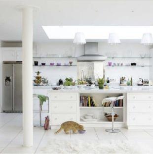 White modern kitchen by Living Etc