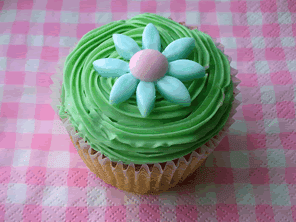 Raspberry cupcakes by Torie Jayne