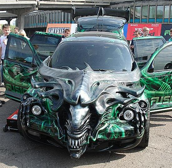 modified car! Made in Russia, this silver-toothed xenomorph mod job ...