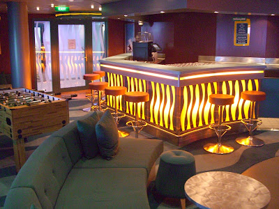 Cheap Living Room on Teen S Review Of The Freedom Of The Seas   Cruise Critic Message