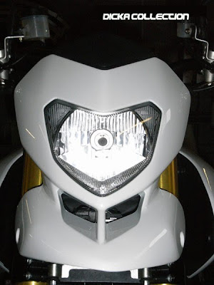 Ducati Hypermotard 1100 White Muscular Super Fighter 1