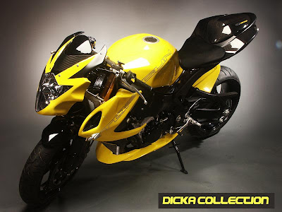 Suzuki GSXR 1000 Yellow Extreme Topgun Street Fighter 2