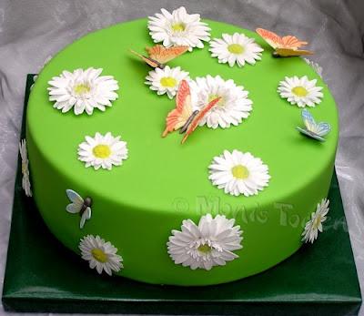 Gruene Torte mit Gerberas aus Zuckerpaste