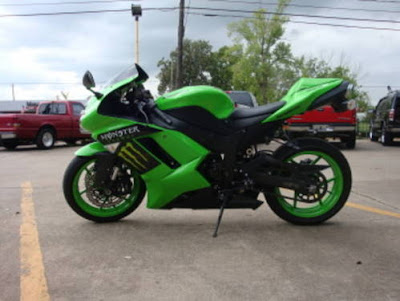 Another Black Kawasaki Ninja ZX6r Monster Energy