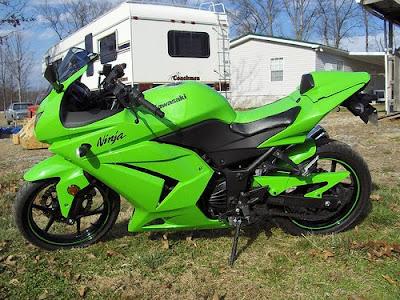 Green Kawasaki ninja 250r picture  Motorcycles and Ninja 250